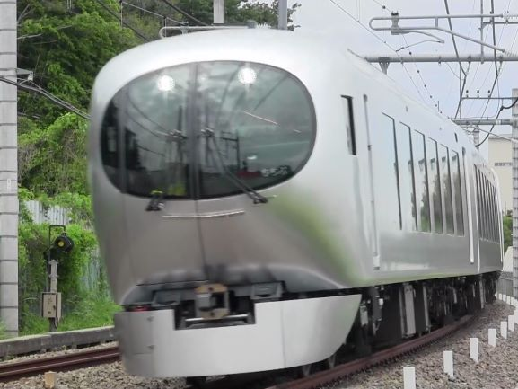 001系コピー.JPG